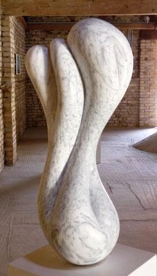 Sem Título II, 2016, Mármore Pele de Tigre, 78 x 30 x 25 cm