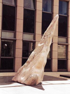 Pedra Mar, 1998, Marble Estremoz Rosa Venado, 265 x 140 x 120 cm