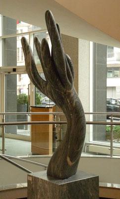 Herbst, 2000, Marmor Ruivina, 215 x 65 x 40 cm