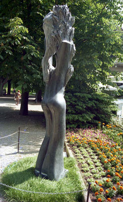 Natureza, 1994, Marble Ruivina, 297 x 70 x 60 cm