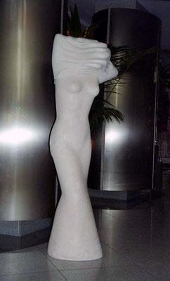 Ohne Titel, 2001, Marmor Estremoz Creme, 170 x 62 x 50 cm