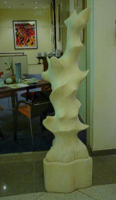 Quedas d'água, 1995, Mármore Estremoz Creme, 163 x 50 x 45 cm