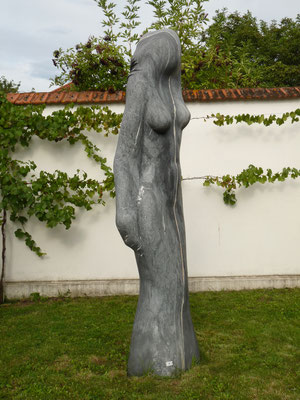 Dividida, 2000, Marble Ruivina, 295 x 65 x 50 cm