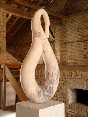 Sem Título, 2015, Mármore Estremoz Rosa Venado, 266 x  80 x 65 cm