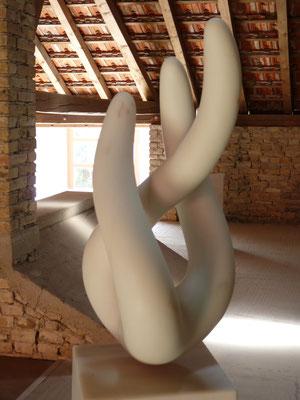 3 Elementos, 2015, Mármore Estremoz Creme, 160 x 40 x 35 cm