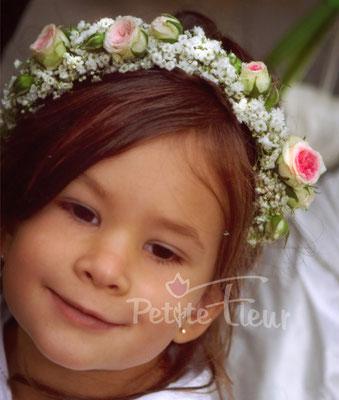 Blumenmädchen, Blumenkranz, Hochzeitsfloristik, Petite Fleur