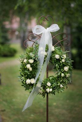Hochzeitsdeko, Blumenkranz, Hochzeitsräume, Außenbereich, Hochzeitsfloristik, Petite Fleur