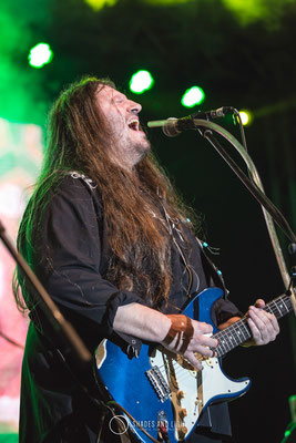 Rareș Totu - voce, chitara Midnight Sun in concert la Open Air Blues Festival Brezoi, Valcea editia 2017