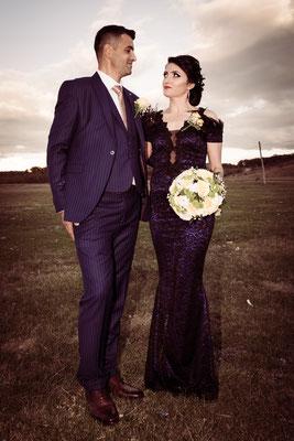 Fotografie de nunta nasi seara la apus in drum spre restaurant