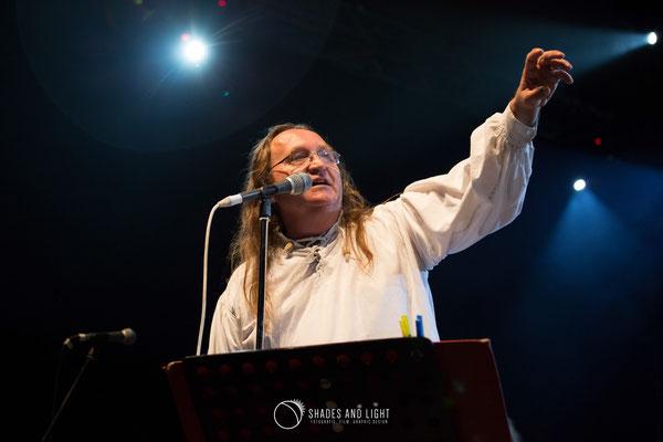 Mike Godoroja - gazda muzicala la  Open Air Blues Festival Brezoi, Valcea editia 2017