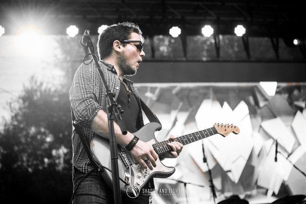 Silviu Dan Iliescu voce si chitara Axis in concert la Open Air Blues Festival Brezoi, Valcea editia 2017
