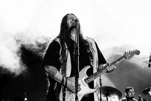 Rareș Totu (voce si chitara la Midnight Sun) - in concert la Open Air Blues Festival Brezoi, Valcea editia 2017