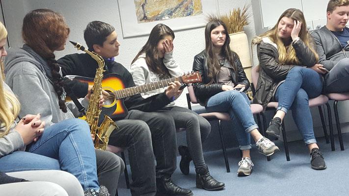 Erste gemeinsame Begegnung im Jugenddorf