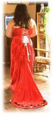Rotes Brautkleid nach Kundenwunsch