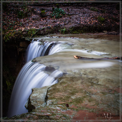Der untere Wasserfall in der Hörschbachschlucht bei Murrhardt