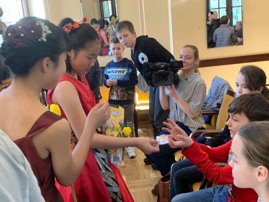 ポーランドの小学生との交流会