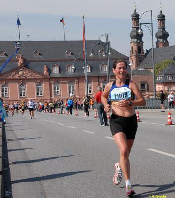 Meike Wallow wird Deutsche Vizemeisterin Marathon in Mainz AK W40