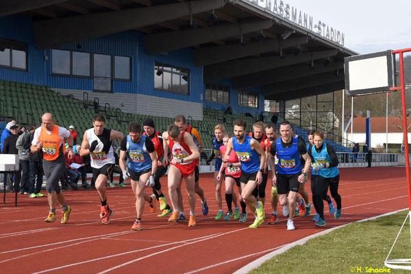 Start zum 10 000m Bahnlauf am 25.02.17 GGSTD