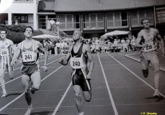 Carlos Gachanja Unter 47 sec über 400m