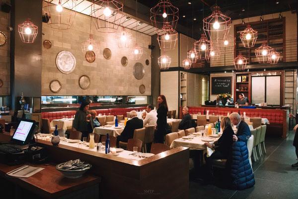 החלל של מסעדת אתניקה