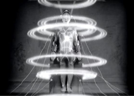 die vielleicht bekannteste Szene aus Metropolis ist die der Entstehung des Maschinen-Menschen