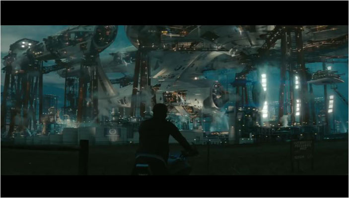 Die Enterprise in ihrem Dock auf der Erde. Altgediente Fans wissen es freilich besser...