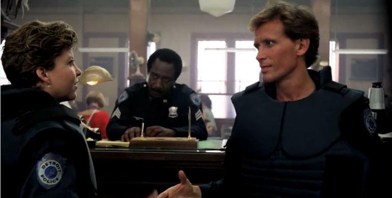 Alex Murphy tritt seinen Dienst an und lernt Officer Anne Lewis kennen