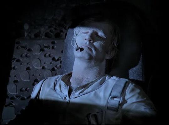 Der eingefrorene Buck Rogers in seinem Shuttle
