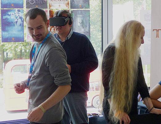 Sascha Eichelberg erklärt mir die Tücken der VR