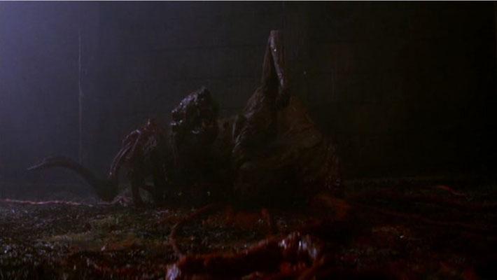 """der Film setzt die optische Drastik von Ridley Scott' s """"Alien"""" konsequent fort"""
