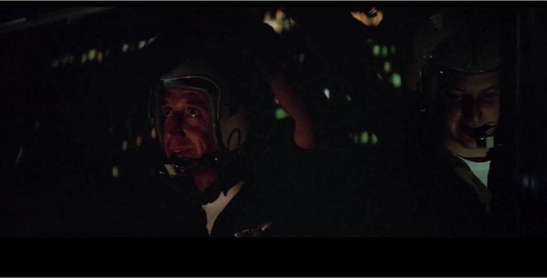 Roy Scheider und Daniel Stern im Cockpit des Blue Thunder
