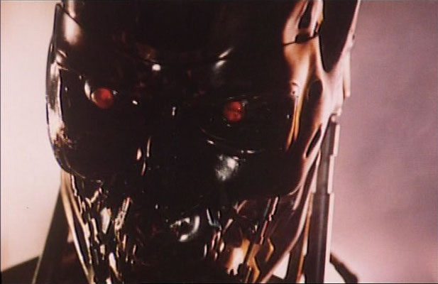 eines der berühmtesten Bilder der Filmgeschichte: das Kampfchassis des T-800