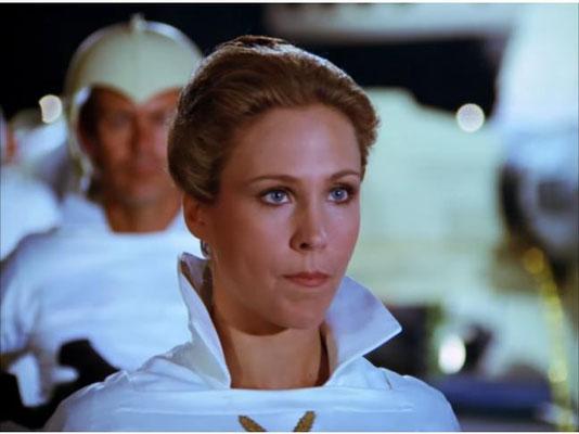 die bezaubernder Erin Gray als Col. Wilma Deering