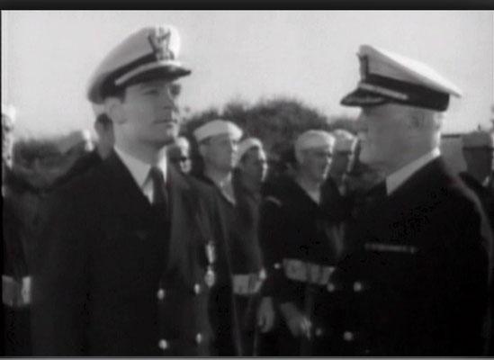 Ralph Byrd, hier als Lt. Kent, erlangte später als Dick Tracy Berühmtheit