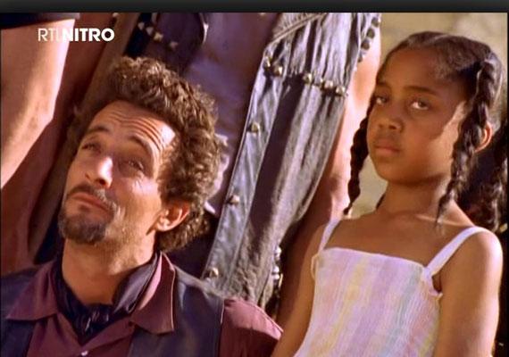 """Neben den Hauptdarstellern überzogen auch einige Bösewichte ihren Part. Hier Alan Gelfant als Jean-Claude Laval in Folge 1x02: """"Stadt in Angst"""""""