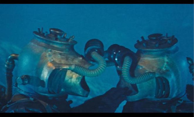 die Unterwasseraufnahmen sind absolut sehenswert. Hier: Ned Land und Conseil in Tauchanzügen der Nautilus-Mannschaft