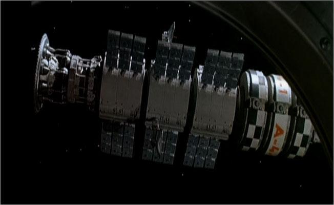 Kameramann Kurt Marks kam auf die Idee, die schwarzgefärbten Klavierseilbefestigungen für die Raumschiffmodelle hinten anzubringen und diese kopfüber aufzuhängen. Für seine Technik wurde Eolomea 1972 zurecht ausgezeichnet