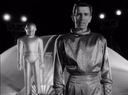 Michael Rennie spielte Klaatu überzeugender, als es Keanu Reeves 57 Jahre später vermochte