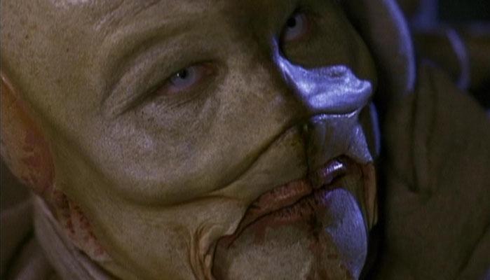 auch ein Alien, der während eines Besuchs auf der Erde starb, bewohnt die Riverworld