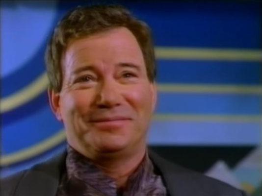 William Shatner hat die Tek-Romane mitverfasst und spielte in den ersten vier TV-Filmen eine prominente Nebenrolle