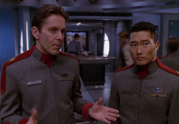 Crusade hat immer wieder Anspielungen auf Babylon 5 parat, so erinnert Lt. Matheson als Telepath an die Telepathenkriege