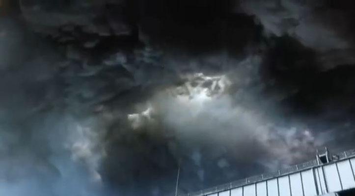 ein ungewöhnliches Gewitter zieht herauf