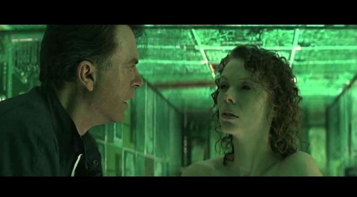 Dr. Weir, gespielt von Sam Neill, wird von albtraumartigen Erscheinungen seiner toten Frau geplagt