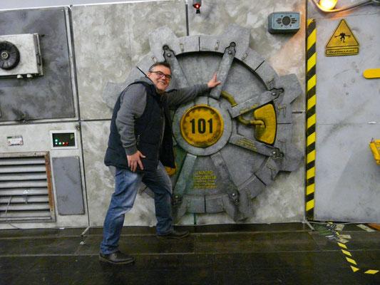 Grundsätzlich gab es viel zu sehen, wie hier der Nachbau des Eingangsbereichs von Vault 101 aus der Computerspiele-Serie Fallout