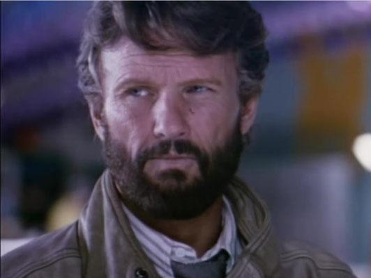 Kris Kristofferson ist Countrysänger und seit den 70er Jahren auch als Schauspieler aktiv. Er wurde 1976 mit einem Golden Globe ausgezeichnet)