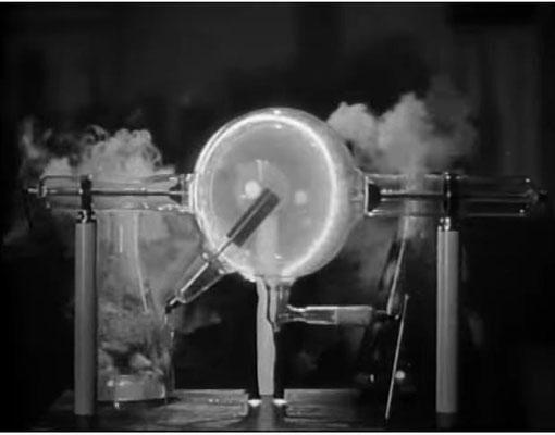 Geheimnisvolle Apparaturen wie diese wirken in schwarz-weiß immer noch am Besten
