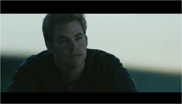 Chris Pine spielt einen besserwisserischen, arroganten und unerträglich egozentrischen jungen James T. Kirk