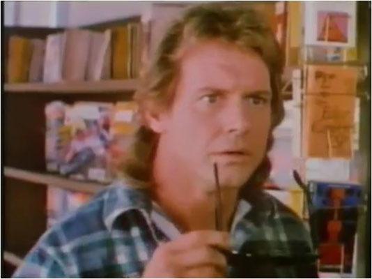 John Carpenter hat ein Auge für neue Talente, in diesem Fall für den ehemaligen Wrestler Roddy Piper, der den Nobody John Nada spielt
