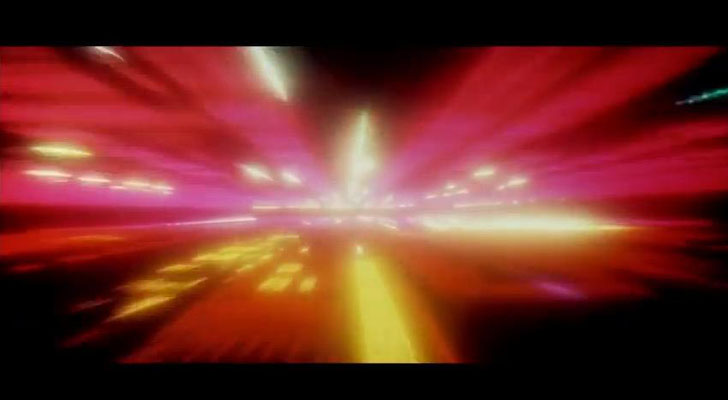 die evolutionäre Reise, die zu Beginn des Films angedeutet wird, nimmt im letzten Teil des Films eine spekatuläre Fortsetzung