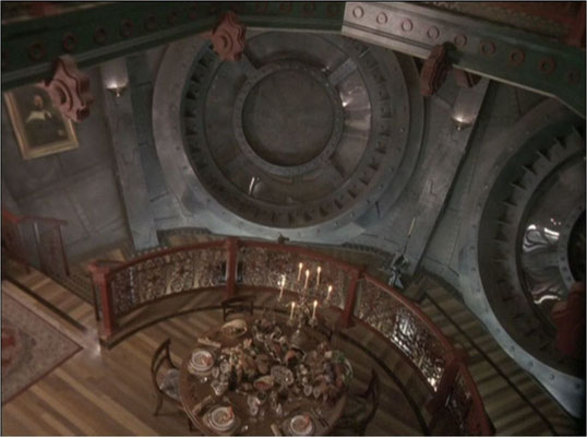 Die Ausstattung ist für einen TV Film gut gelungen und kommt in einem angenehmen steampunkartigen Look daher